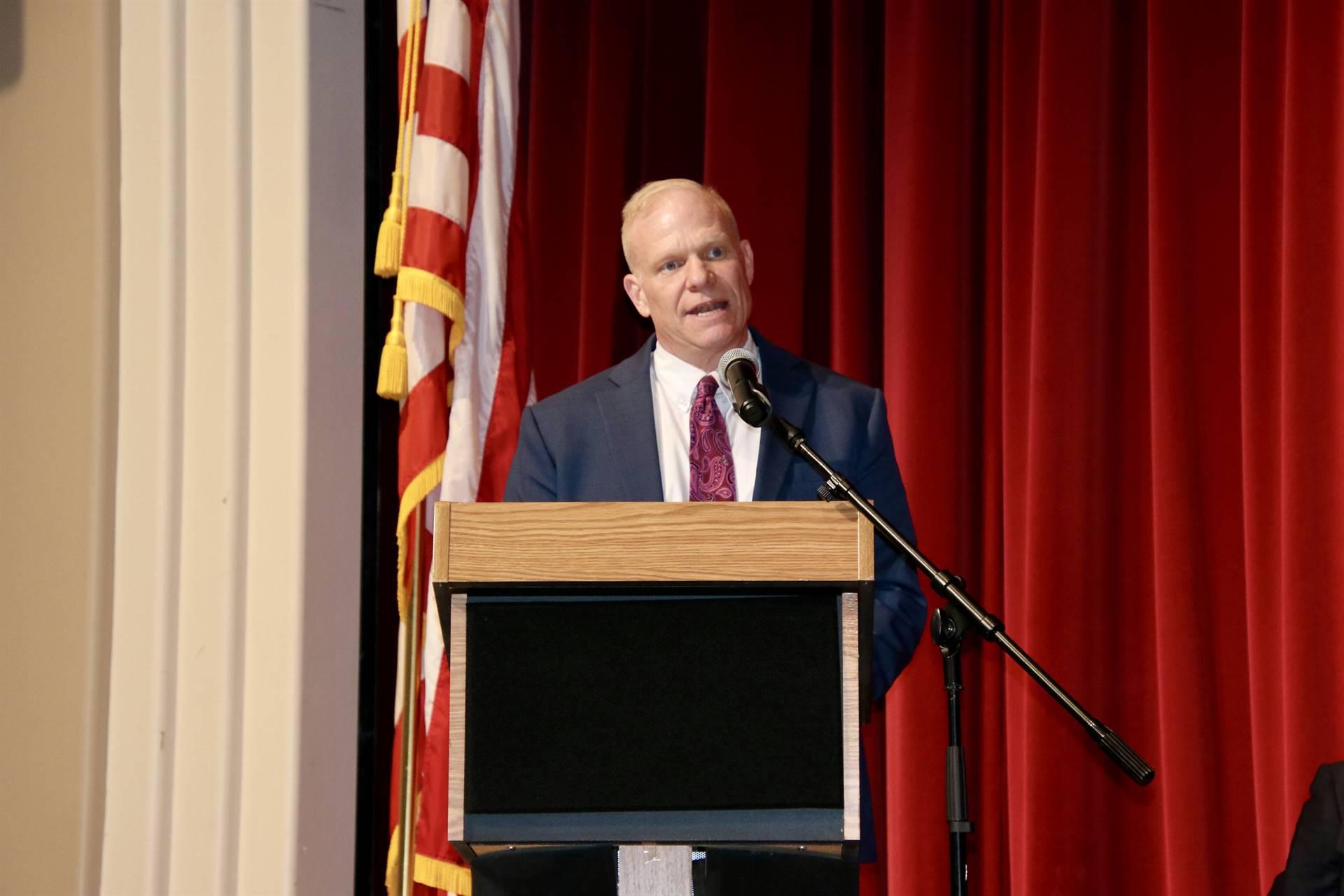 Hall of Distinction - Superintendent Hillis Presenting