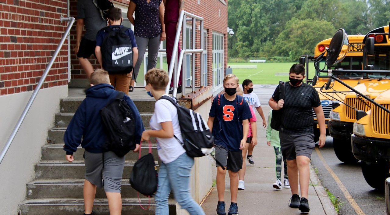 MS students entering the building